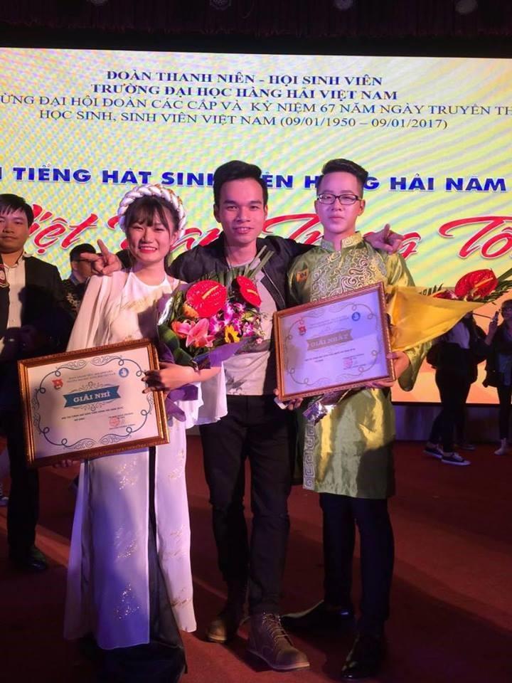 _Văn Nam và Hồng Nhung xuất sắc giành vị trị quán quân và á quân trong hội thi đơn ca_